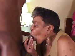 Ebony Grannie suck and fuck Young BBc tube porn video