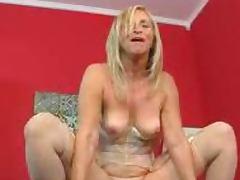 Glamorous Granny in Stockings Loves Anal tube porn video