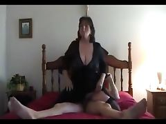 Hot Mature Dirty talking BBW Smoking and Riding tube porn video