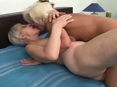 Granny lesbians plays with toys tube porn video