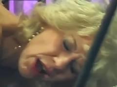 Grandma Diana Richards copulates Ron Fontana tube porn video
