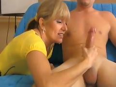 Cute mom is masturbating horny cock tube porn video