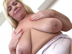 fat blonde mature woman fingers her old cunt tube porn video