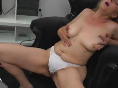 mature blonde fingering her hairy pussy tube porn video