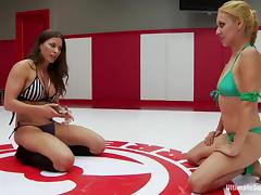 Sexy girls in bikini fight fiercely and show their nude bodies tube porn video