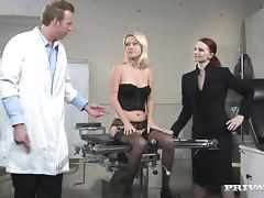 Gynecologist is fucking his sexy blond patient tube porn video