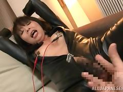 japanese milf in latex gets her nipples shocked tube porn video