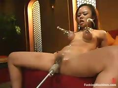 Asian hussy Annie Cruz takes a excellent high-pressure on a going to bed machinery tube porn video
