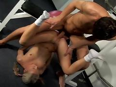 Bleached Allisson is swallowing sperm in the gym tube porn video