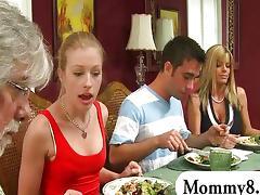 MILF stepmom Kristal Summers gets naughty tube porn video