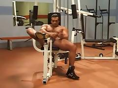 Bodybuilder Workout Solo tube porn video