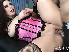 HarmonyVision Paige Turnah knows how to handle two cocks at tube porn video