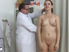 Gyno doctor if touching puss of Tarya King tube porn video