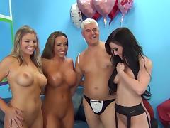 Jennifer White fucks in group action tube porn video