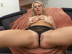 Mark Wood fucks blonde cutie Carolyn Reese's pussy to orgasm tube porn video