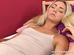 Nasty blond girl masturbates with a vaginal speculum tube porn video