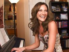 Samantha Ryan Serenades The Cock tube porn video